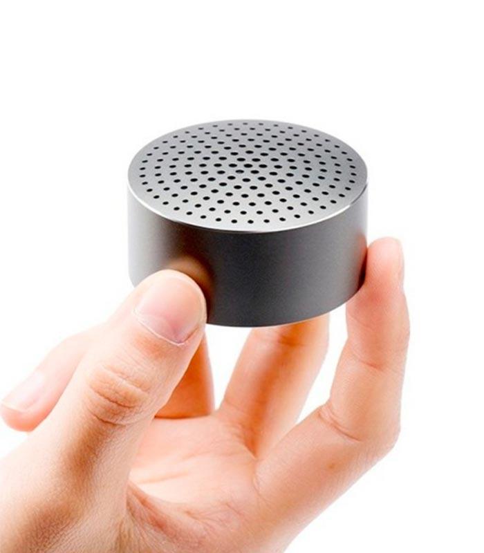 Xiaomi-Mi-Portable-Bluetooth-Speaker-02